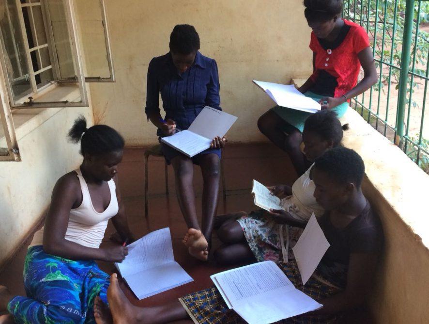 La realidad de una chica joven en Zambia